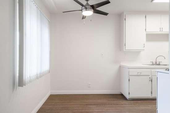 CSU-Dominguez-Hills-Apartment-Building-561033.jpg