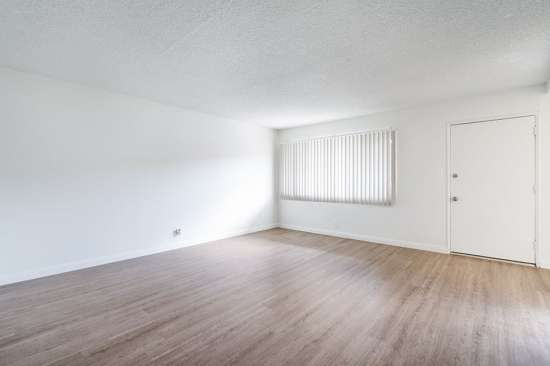 CSU-Dominguez-Hills-Apartment-Building-561034.jpg