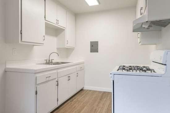 CSU-Dominguez-Hills-Apartment-Building-561035.jpg