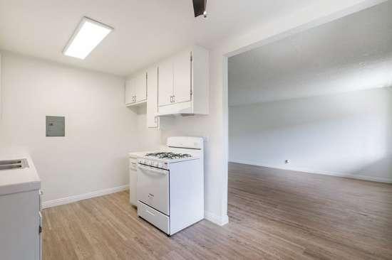 CSU-Dominguez-Hills-Apartment-Building-561037.jpg