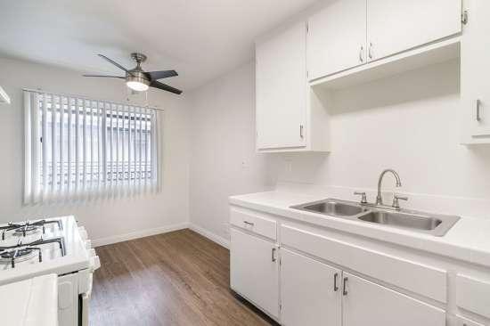 CSU-Dominguez-Hills-Apartment-Building-561039.jpg