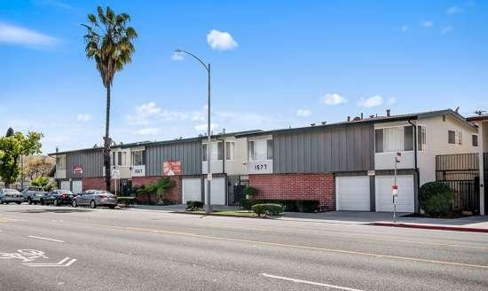 CSU-Dominguez-Hills-Apartment-Building-561048.jpg
