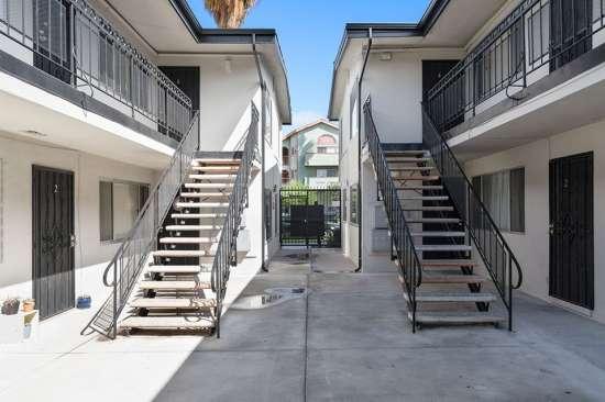 CSU-Dominguez-Hills-Apartment-Building-561049.jpg