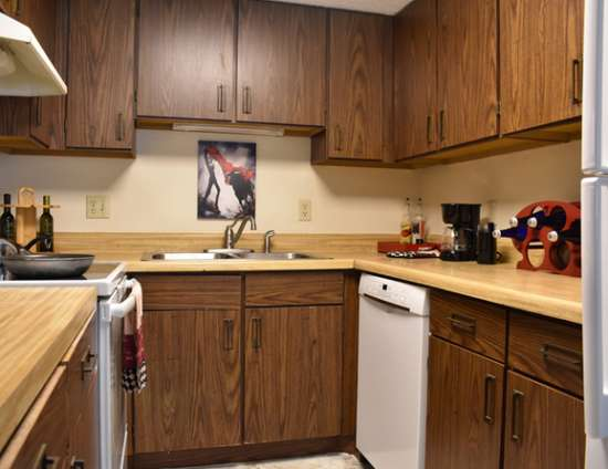 PSU-Apartment-Building-610255.jpg
