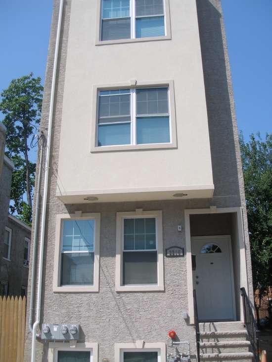 Temple-Apartment-Building-603568.jpg