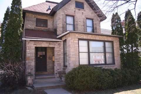 UW-Apartment-Building-596408.jpg