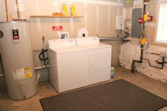 University-of-Delaware-Apartment-Building-606741.jpg
