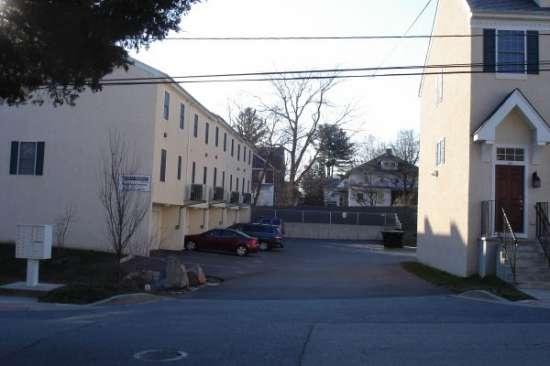 University-of-Delaware-Apartment-Building-606755.jpg