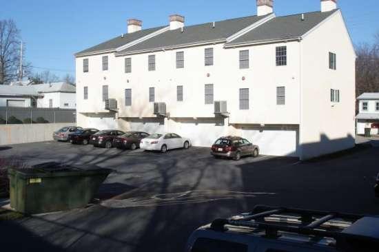 University-of-Delaware-Apartment-Building-606756.jpg