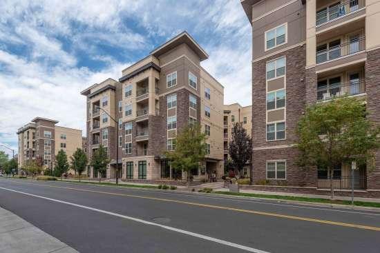 Colorado-State-University-Apartment-Building-624092.jpg