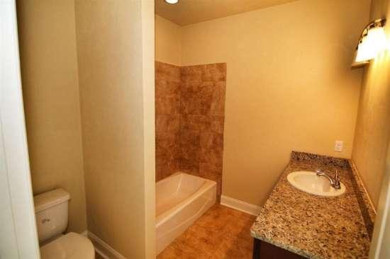 Florida-State-University-Apartment-Building-632622.jpg