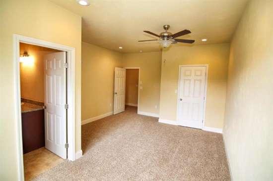 Florida-State-University-Apartment-Building-632623.jpg