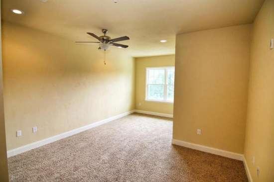 Florida-State-University-Apartment-Building-632624.jpg