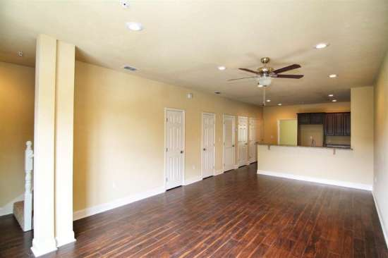 Florida-State-University-Apartment-Building-632625.jpg