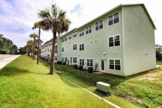 Florida-State-University-Apartment-Building-632627.jpg
