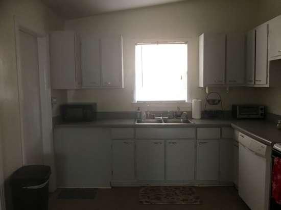 Florida-State-University-Apartment-Building-632650.jpg