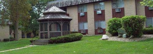 NIU-Apartment-Building-634178.jpg