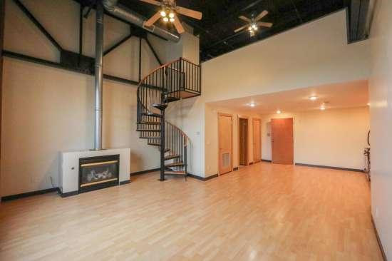 Purdue-Apartment-Building-629790.jpg