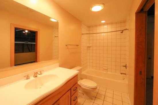 Purdue-Apartment-Building-629806.jpg