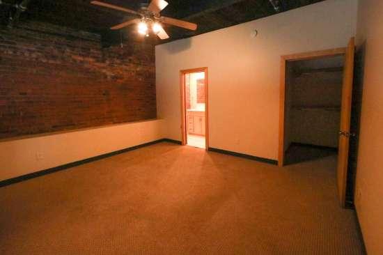 Purdue-Apartment-Building-629807.jpg