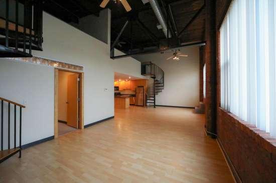 Purdue-Apartment-Building-629811.jpg