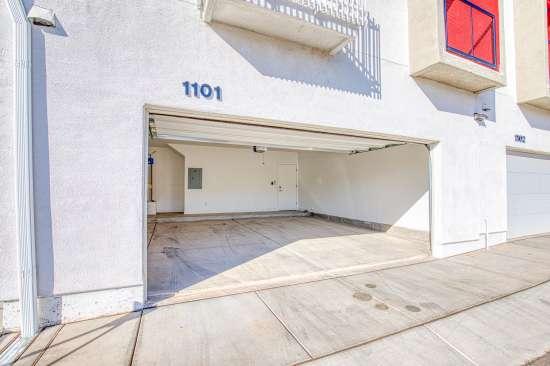 University-of-Arizona-Apartment-Building-625681.jpg