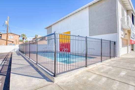 University-of-Arizona-Apartment-Building-625683.jpg
