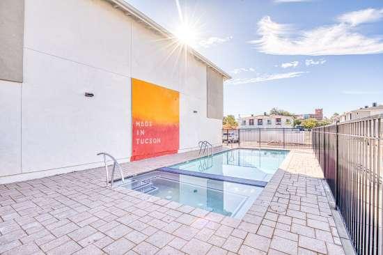 University-of-Arizona-Apartment-Building-625684.jpg
