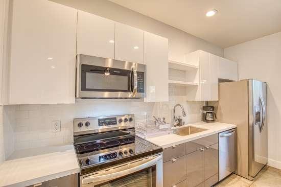 University-of-Arizona-Apartment-Building-625695.jpg