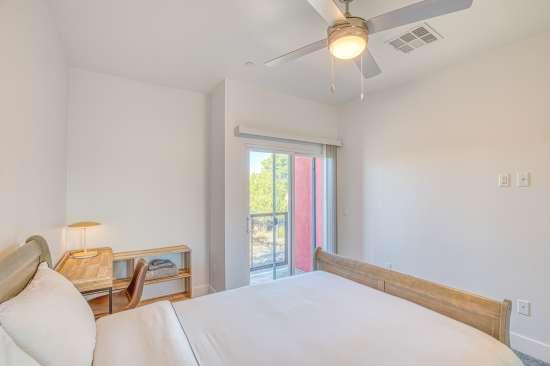 University-of-Arizona-Apartment-Building-625706.jpg