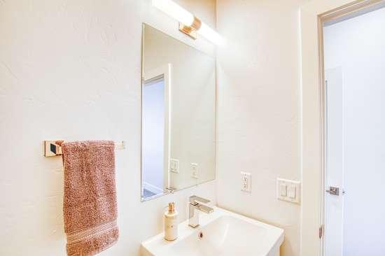 University-of-Arizona-Apartment-Building-625711.jpg