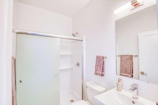 University-of-Arizona-Apartment-Building-625718.jpg