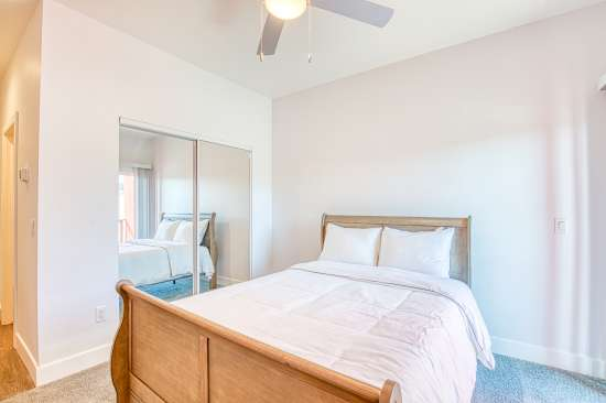 University-of-Arizona-Apartment-Building-625730.jpg