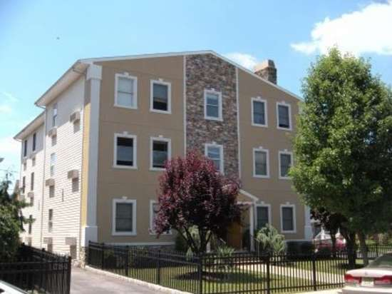 Rutgers-University-Apartment-Building-651721.jpg