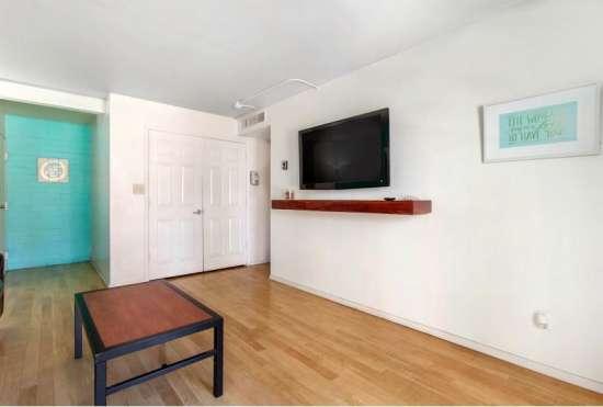 University-of-Arizona-Apartment-Building-647471.jpeg