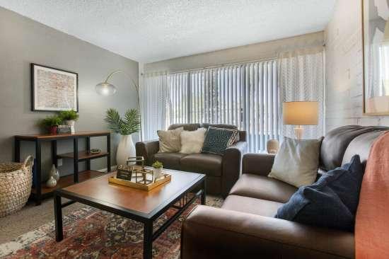 University-of-Arizona-Apartment-Building-647476.jpeg