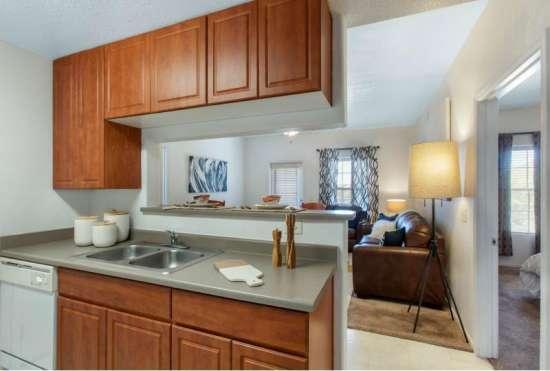 University-of-Arizona-Apartment-Building-647515.jpeg