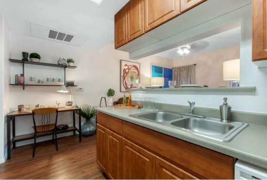 University-of-Arizona-Apartment-Building-647521.jpeg