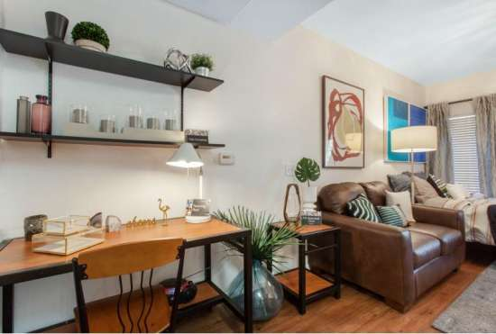 University-of-Arizona-Apartment-Building-647523.jpeg