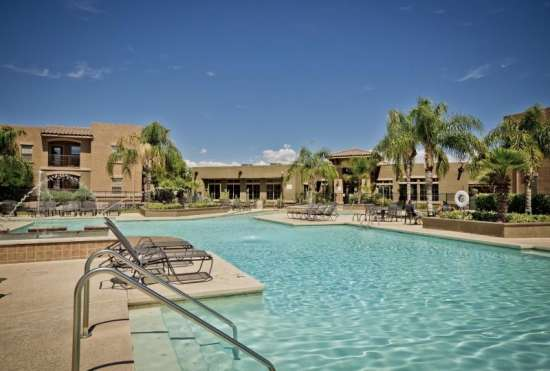 University-of-Arizona-Apartment-Building-647526.jpeg