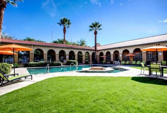 University-of-Arizona-Apartment-Building-647538.jpeg