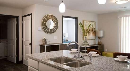 WVU-Apartment-Building-649984.jpg