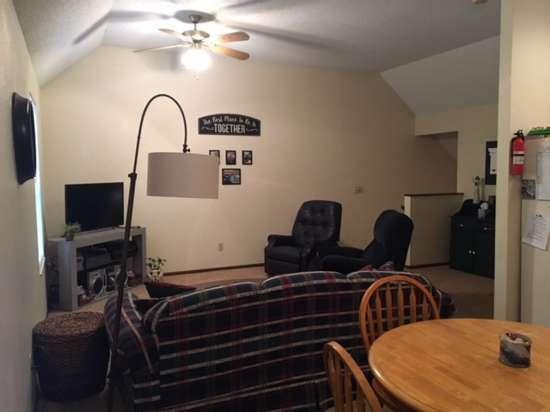 Missouri-State-University-Apartment-Building-653397.jpg