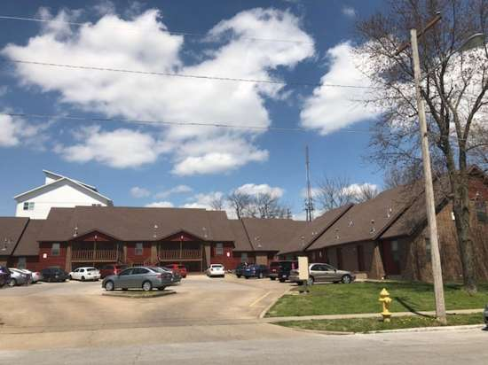 Missouri-State-University-Apartment-Building-653400.jpg