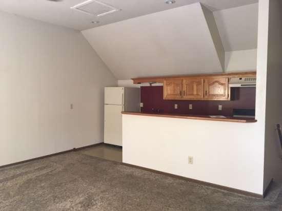 Missouri-State-University-Apartment-Building-653422.jpg