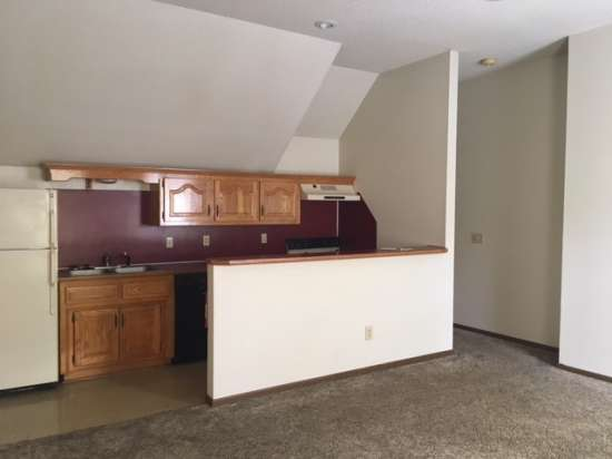 Missouri-State-University-Apartment-Building-653424.jpg