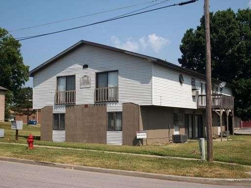SIU-Apartment-Building-659844.jpg