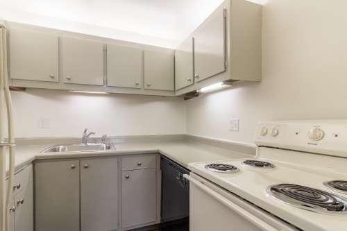Lakeland Apartments