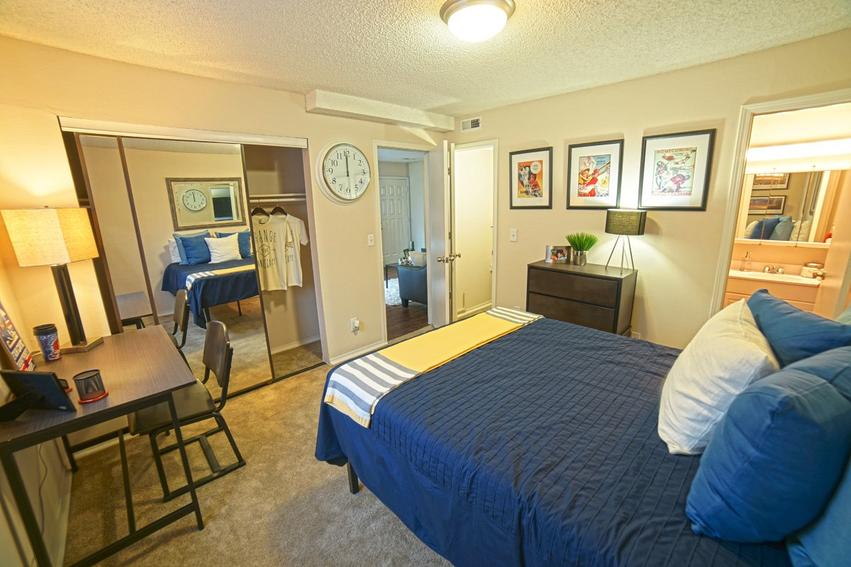 College sublease, college student housing near university-of-kansas , university-of-kansas off campus lofts