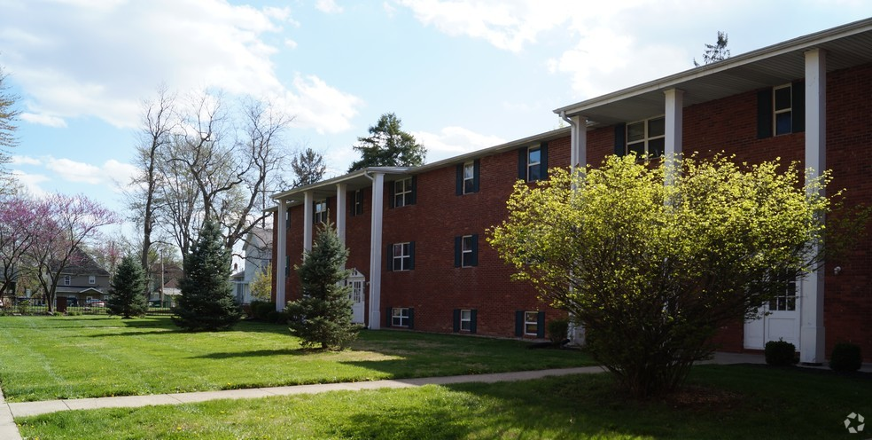 College sublease, college student housing near ball-state , ball-state off campus lofts